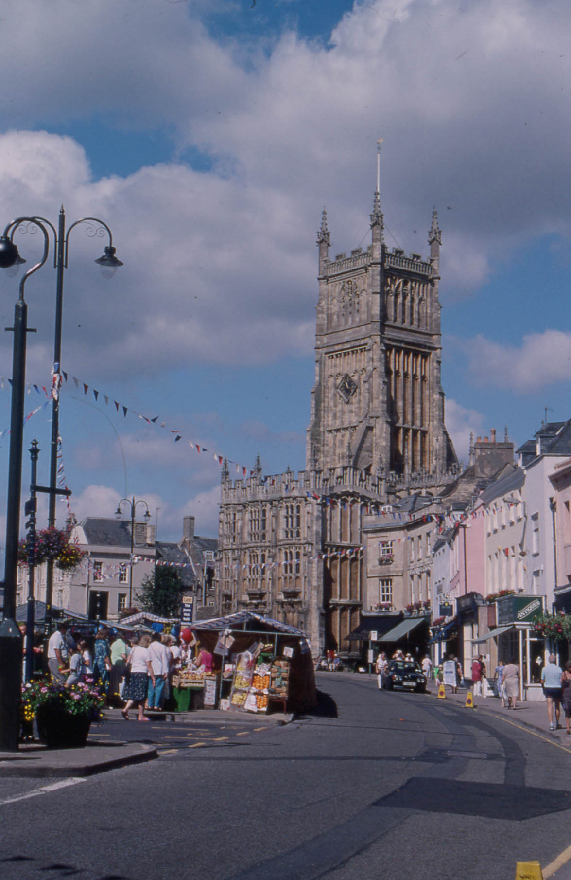 coach hire and group travel holidays to Cirencester